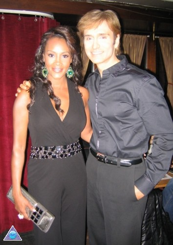 "All smiles at the party for Vivica's new show - ""The Cougar"""